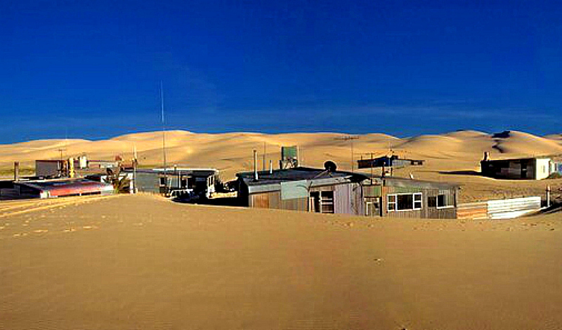 Tin City hidden in the dunes